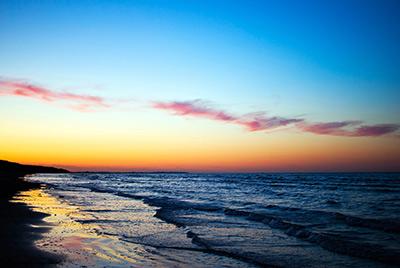 夏の海で夕暮れサプライズ