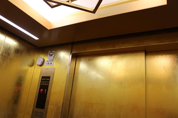 熱海城のエレベーター