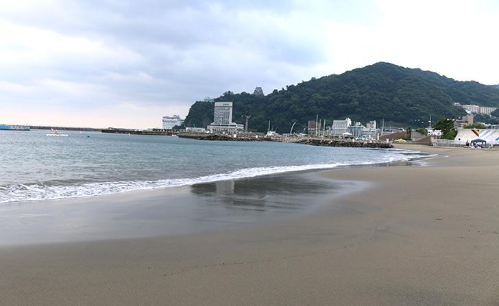 朝の熱海サンビーチ1