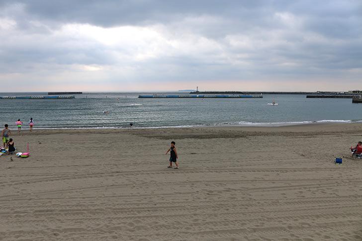 朝の熱海サンビーチ2