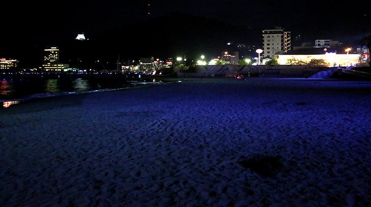 夜の熱海サンビーチ