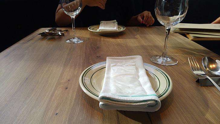 ローズマリーズトウキョウ テーブル