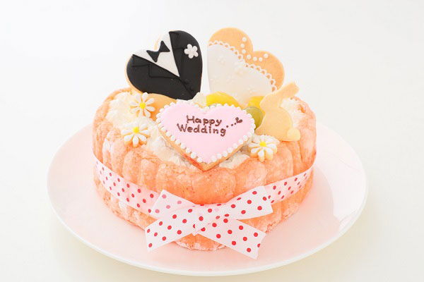 アイシングクッキーがデコレーションされたバースデーケーキ-04