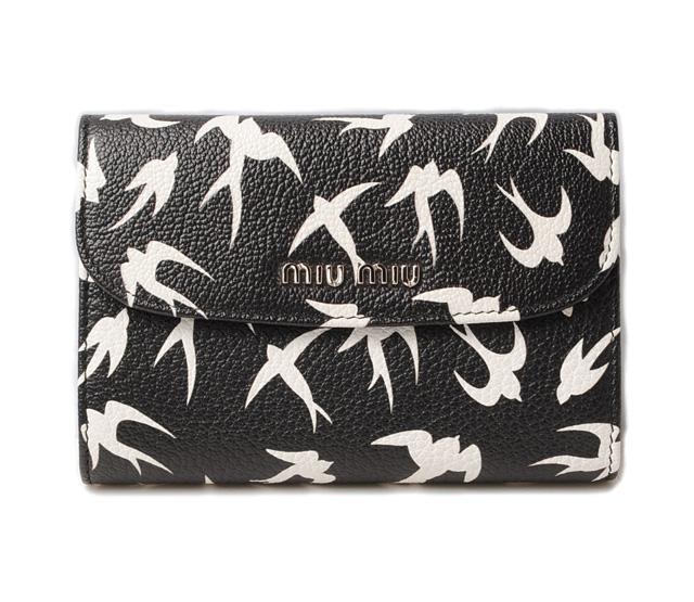 miumiu 折り畳み財布