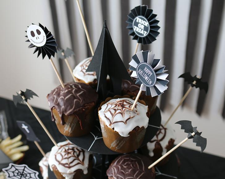 ハロウィンカップケーキ 蜘蛛の巣モチーフ