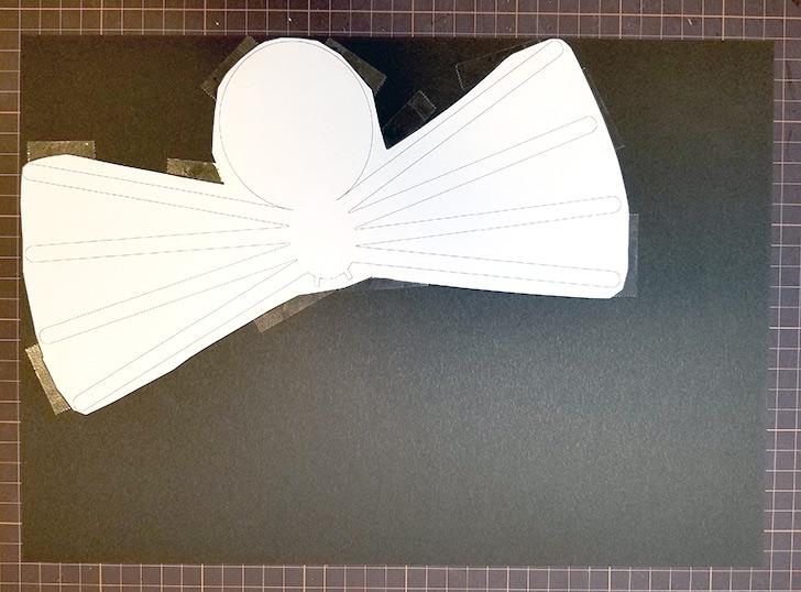 画用紙で作る立体クモの作り方