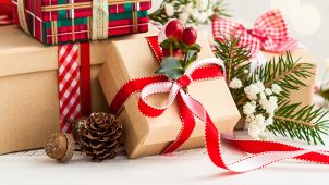 【おひとりさまクリスマス】一年間頑張った自分へ、素敵なご褒美プレゼントを贈ろう!