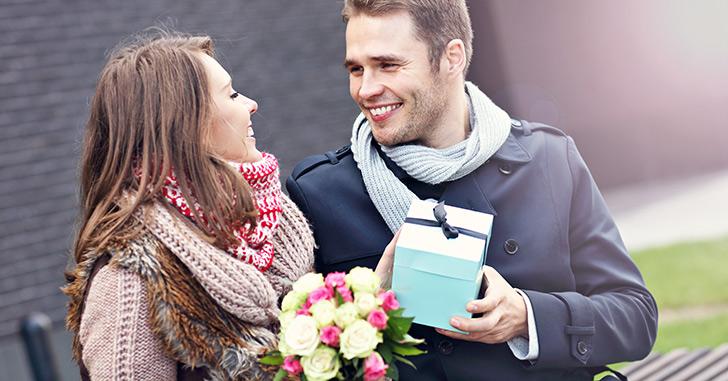 付き合って1周年記念に恋人に贈りたい素敵なプレゼント