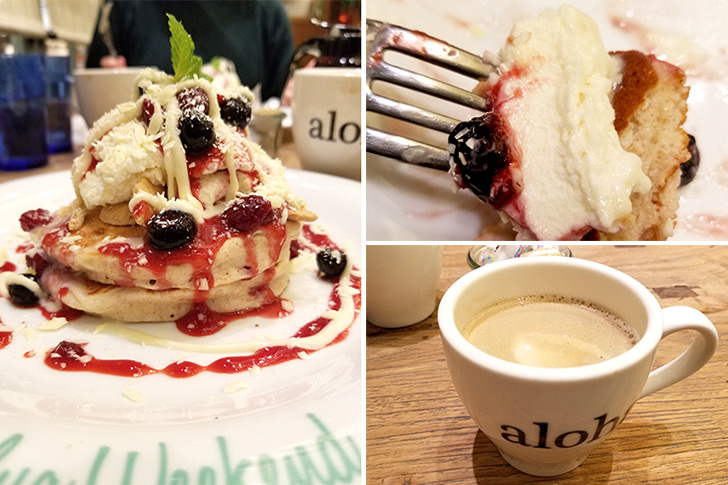 KailuaWeekendでダブルホワイトチョコレート&ベリーパンケーキとコナブレンドコーヒーのペアリングメニュー
