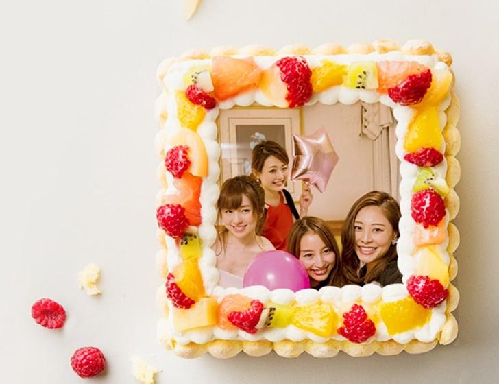 バースデー女子会 ケーキでサプライズ