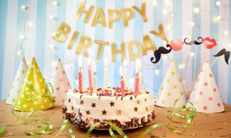 誕生日ケーキ、誕生日サプライズのイメージ