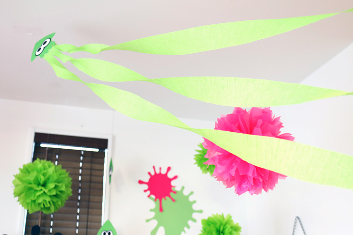 空飛ぶイカ飾り スプラトゥーン2をテーマにした誕生日パーティーデコレーション