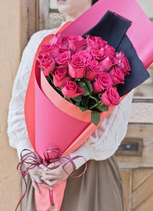 バラ 花束 ダークピンク M (30本入) 彼女の誕生日プレゼント