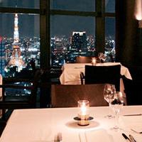 レストランで豪華ディナー