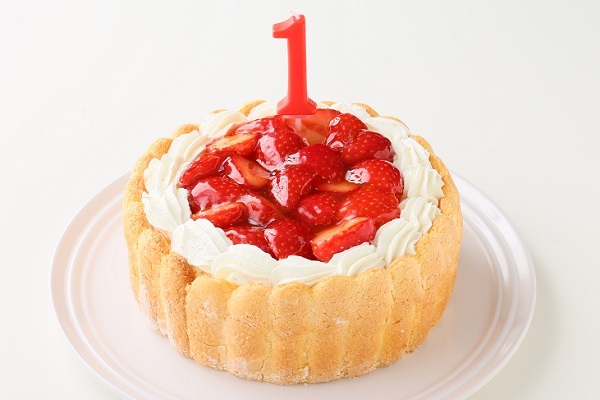 1歳の誕生日のバースデーケーキ いちご