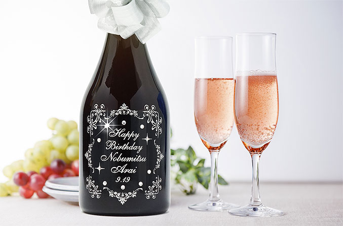 結婚祝☆誕生日♪キラキラデコスワロ彫刻ボトル☆カバ・レゼルバ・デ・ラ・ファミリア・ロゼ「anan」掲載スパークリング