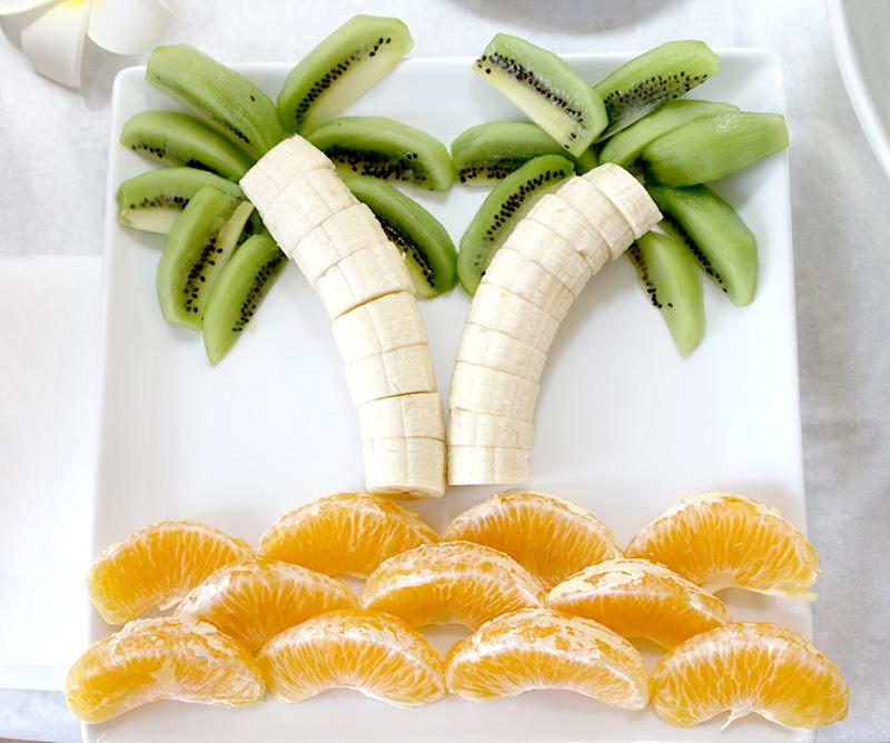 ヤシの木フルーツ アロハ・ハワイをテーマにしたトロピカルな誕生日パーティー演出