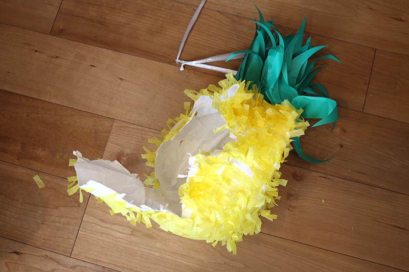 パイナップルピニャータ アロハ・ハワイをテーマにしたトロピカルな誕生日パーティー演出