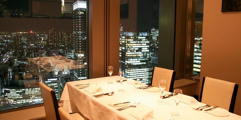 AUXAMIS TOKYO(フランス料理)店内の夜景イメージ
