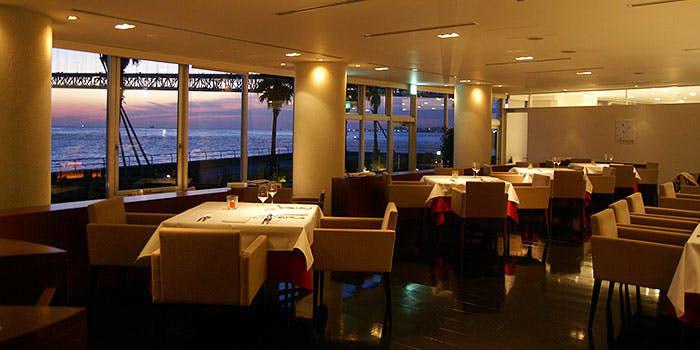 5位 DINING ROOM IN THE MAIKO/ホテルセトレ 店内
