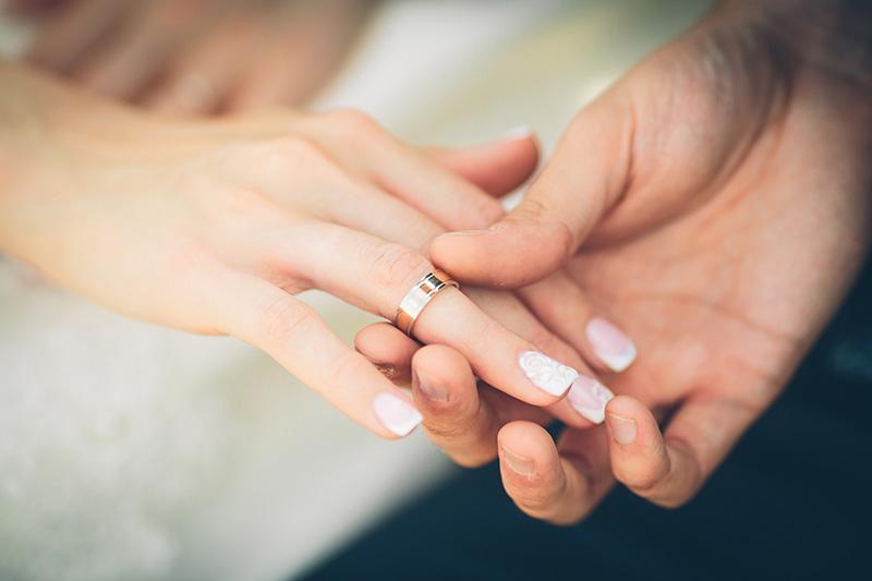 朝、目が覚めたら欲しかった憧れのリングが指にはまっているサプライズ