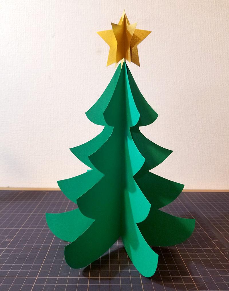 画用紙で作る!簡単ペーパークリスマスツリーの作り方 完成写真