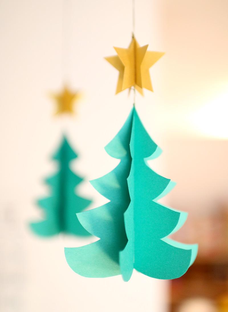 クリスマスツリーの手作りモビール
