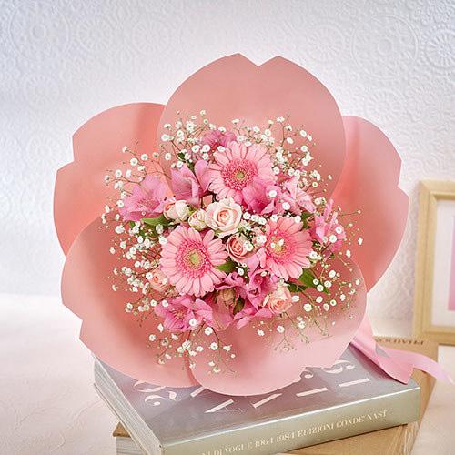 桜の形をした花束・桜ペタロ「はんなり」 退職祝いの花束