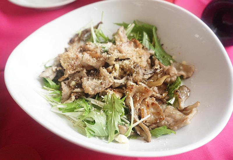 水菜と豚肉、舞茸のデリ風サラダ バレンタインの簡単料理レシピ