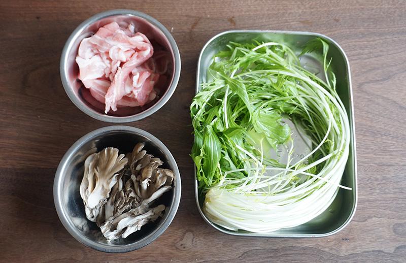 水菜と豚肉、舞茸のデリ風サラダの材料