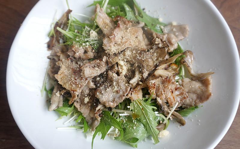 水菜と豚肉、舞茸のデリ風サラダ