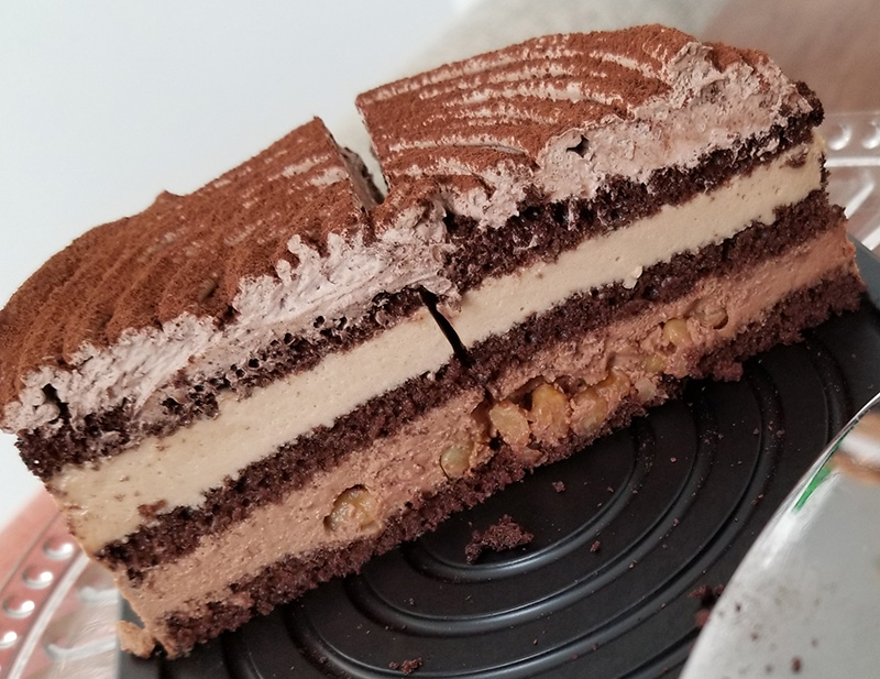 ルタオのバレンタイン限定チョコレートケーキ ディスク 食べてみた感想 断面
