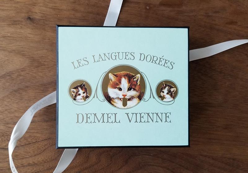 デメル(DEMEL)ソリッドチョコ 猫ラベル・ミルクを食べてみた感想 パッケージデザイン