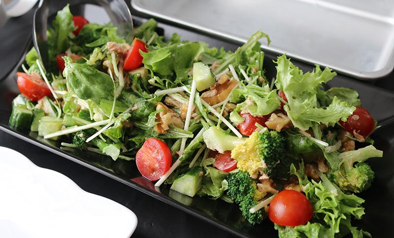 サラダ パーティー料理