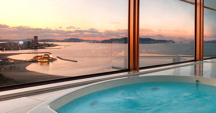 81位|ヒルトン福岡 シーホーク 夜景がキレイなホテルランキング