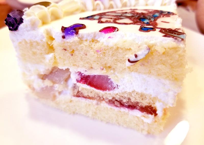 デコケーキ通販 イラストケーキ キャラクターケーキ 食べた感想 味