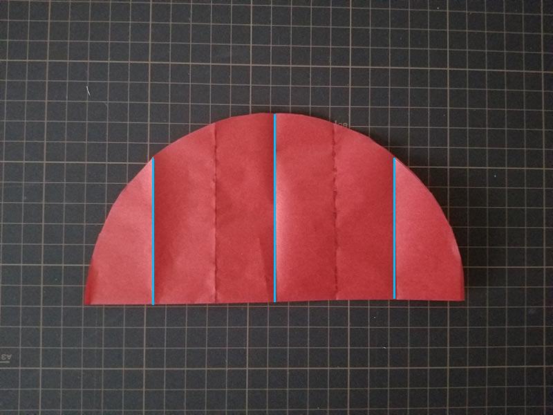 3箇所にのりを付けて重ねていく ハニカムボールの作り方