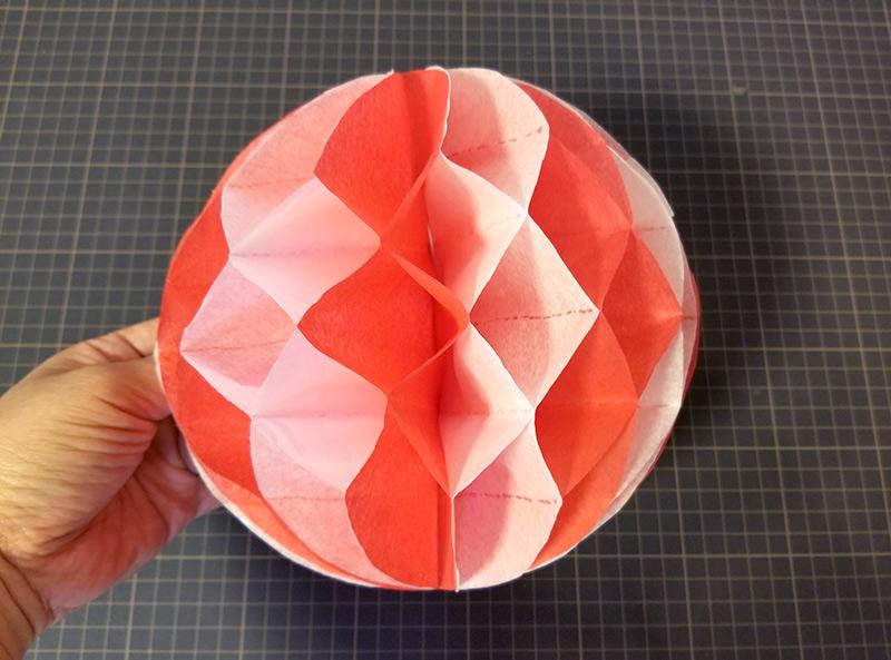 開いた状態 ハニカムボールの作り方