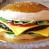 ハンバーガーそっくり!なバースデーケーキ「ハンバーガーケーキ」を食べてみた感想