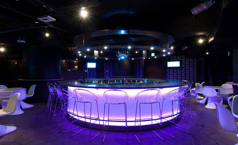 dining&bar KITSUNE(キツネ) スポーツバー
