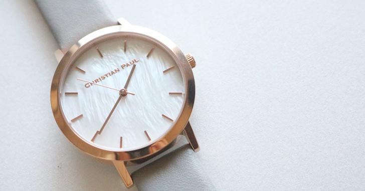 クリスチャンポールの腕時計 ホワイト シェル チェリーピンクマーブル レビュー