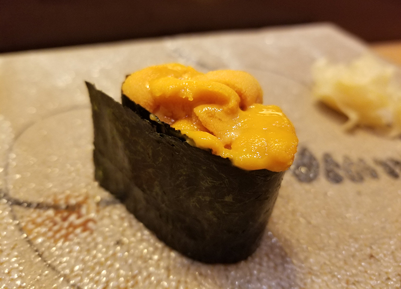 銀座で人気の高級寿司店「すし家 一柳」で食べたランチ うに