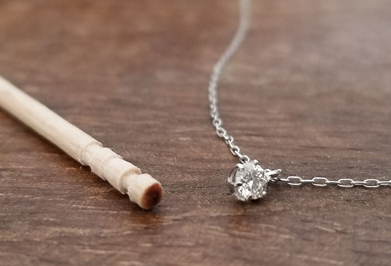 ダイヤモンドのサイズ感 爪楊枝との比較