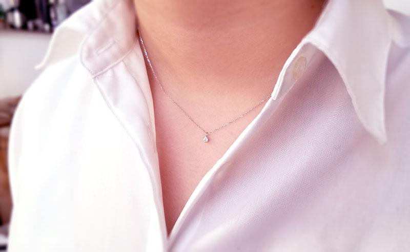 アクセサリーブランド「F」K10ダイヤモンドネックレス 20代女性が着用したイメージ