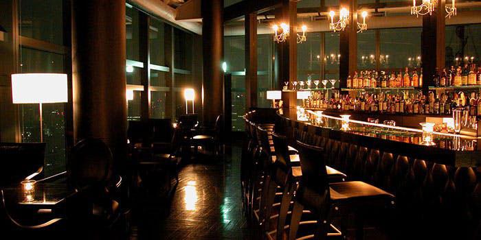 Bar&Lounge MAJESTIC(マジェスティック)|汐留・ラウンジ、バー 店内 バー