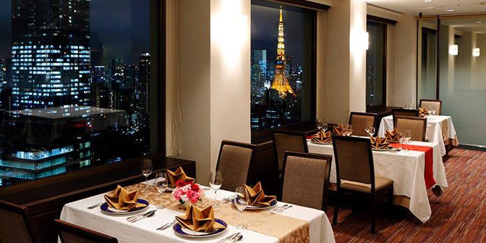 レストラン けやき|虎ノ門・フランス料理、鉄板焼き 店内 夜景