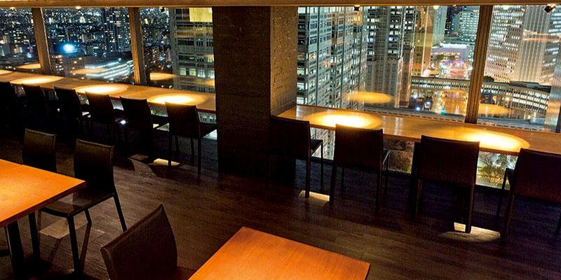グリル&ダイニング マンハッタンテーブル/新宿ワシントンホテル 店内 夜景