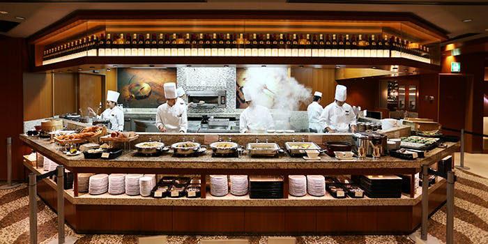 横浜レストラン オールデイブッフェ コンパス/横浜ベイシェラトンホテル&タワーズ ライブキッチン