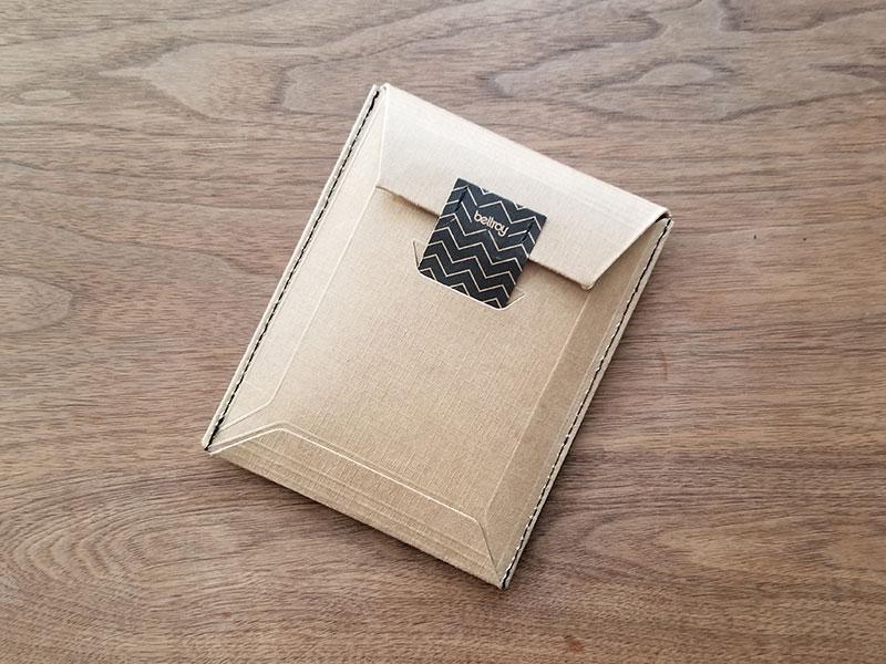 ケース スリムでコンパクトな財布「ベルロイ コインフォルド ウォレット」