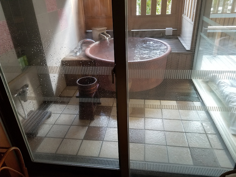 内風呂 箱根湯本「ホテルおかだ」露天風呂付き客室「紅藤」に泊まってみた感想